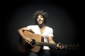 acoustic_guitarist