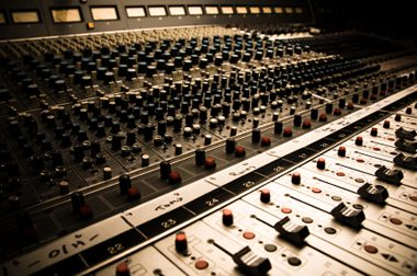 audio_mixing_console